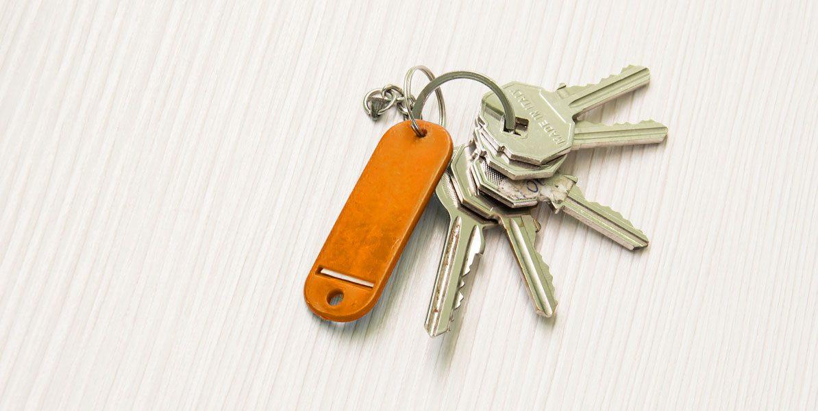 Schlüsselbund mit orangem Anhänger